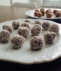 Snackballetjes chiazaad-cacao & pindakaas lrecept